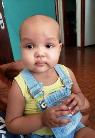 Apesar da doença, Marina é uma criança demonstra querer viver, diz a mãe.  (Foto: Arquivo Pessoal)