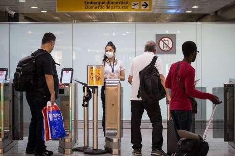 Nenhum destino turístico no Brasil tem risco de coronavírus, diz governo