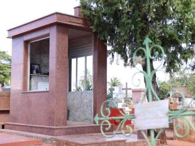 Prefeitura abre amanhã processo seletivo com 19 vagas em cemitérios