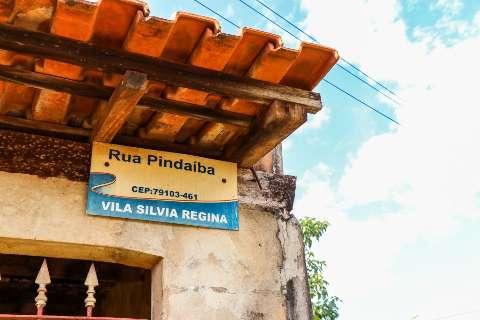 Vida anda tão difícil, que morar na rua Pindaíba já virou piada entre moradores
