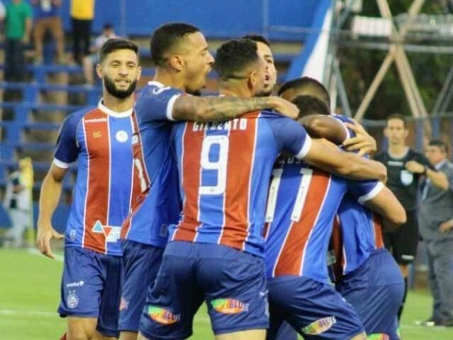 Jogadores do Bahia comemorando a vitória desta noite. (Foto: BahiaFC)