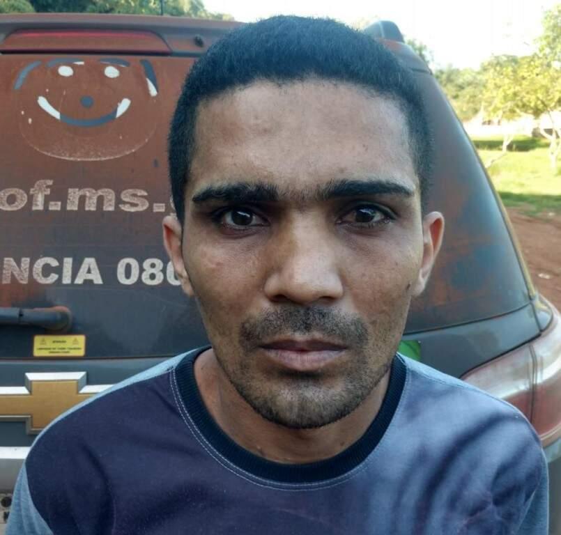 Eduardo ou Luis ao ser preso nesta segunda-feira (20) (Foto: Direto das Ruas)