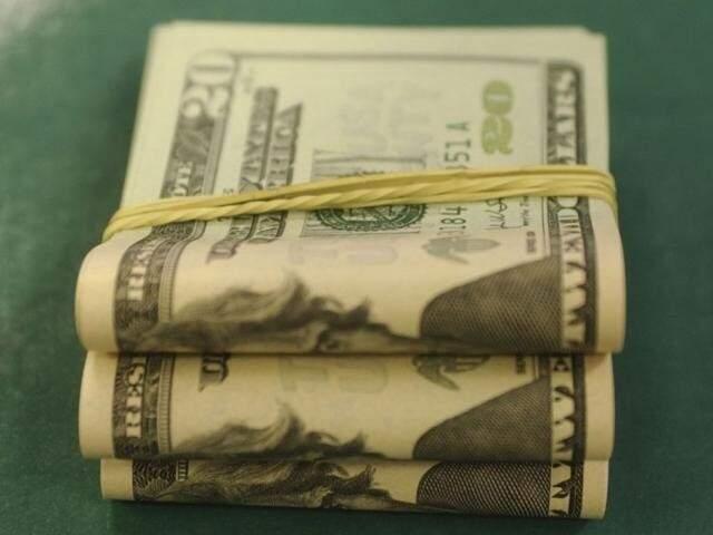 Dólar comercial encerrou esta terça-feira (3) vendido a R$ 4,511, com alta de R$ 0,024 (Foto: Agência Brasil)