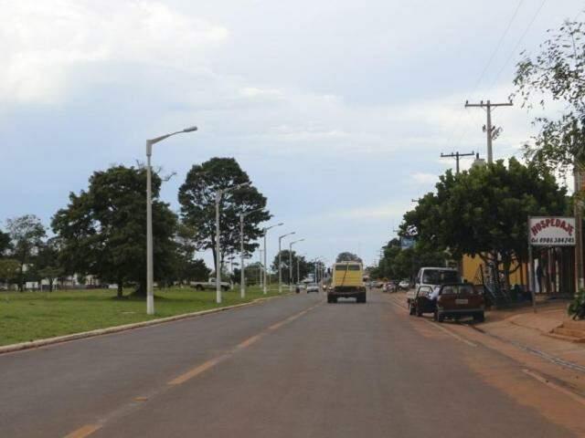 À direita Pindoty Porã (Paraguai), à esquerda Sete Quedas (Foto: Helio de Freitas)