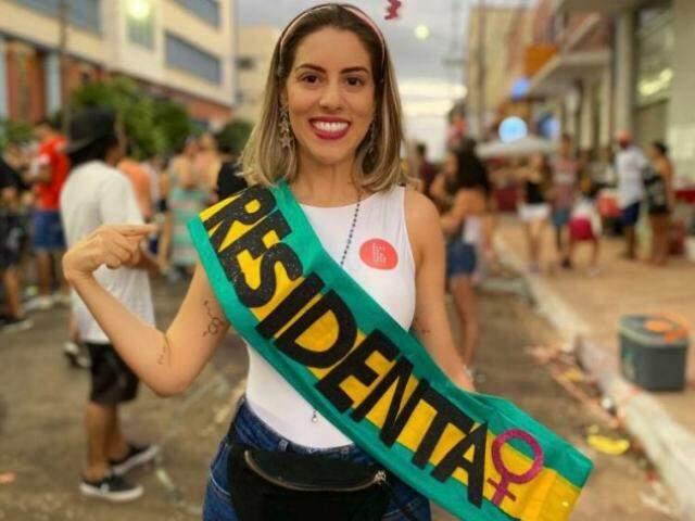 Presidenta, Aimê quis levar a bandeira que carrega, de que mulher deve ocupar a política. (Foto: Arquivo Pessoal)