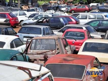 Entre sucatas e motos, leilão da PRF terá lances R$ 15,00 a R$ 12 mil