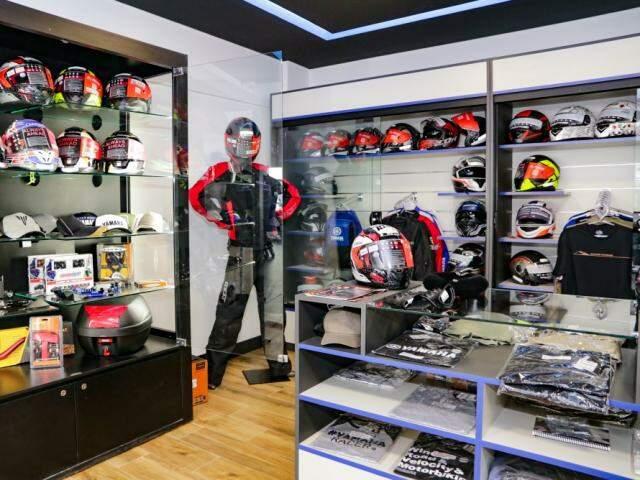 Loja inaugura boutique com vestuário completo da Yamaha (Foto: Kísie Ainoã)