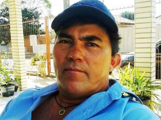 """Luis Fernandes, o """"Paraguaio"""", está foragido após matar o patrão, o ex-prefeito Dirceu Lanzarini (Foto: Reprodução)"""