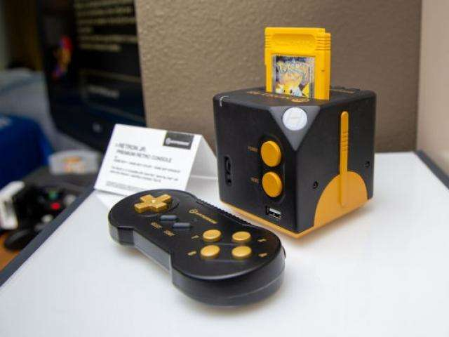 Que tal jogar Game Boy na sua TV com um novíssimo console?