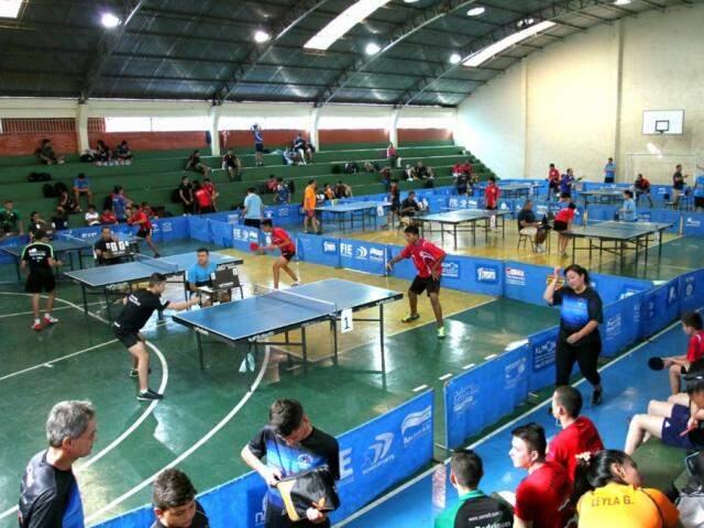 Mesa-tenistas de MS durante competição na Capital (Foto: Arquivo)