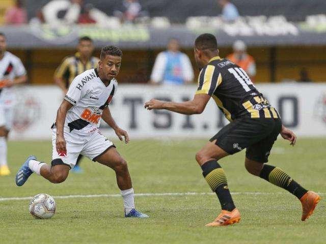 Vasco fica no empate com Volta Redonda e torcida protesta