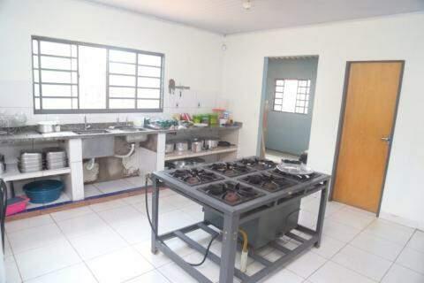 Cozinha do Instituto, necessita de doação mensal para manter-se. (Foto: Marcos Maluf)