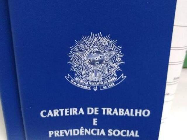 Carteira de trabalho e outros documentos devem estar em mãos (Foto: Funtrab/Divulgação)