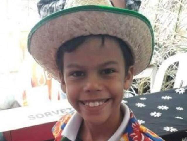 Guilherme Henrique Calmon de Arantes, de 10 anos, em tratamento de leucemia (Foto: Divulgação)