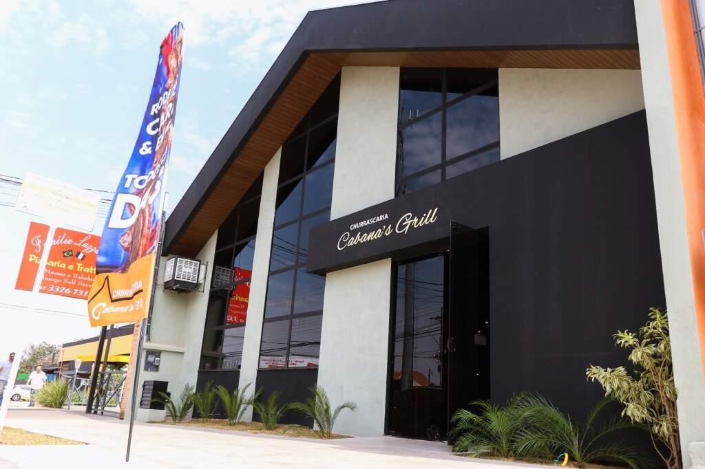 O Cabana's Grill funciona na rua Vitório Zeola, n° 747 - Carandá Bosque.