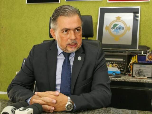 Secretário de Justiça e Segurança Pública Antonio Carlos Videira durante coletiva neste domingo (19) (Foto: Paulo Francis)