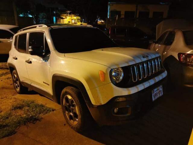 Jeep Renegade apreendido hoje em Pedro Juan Caballero; MP suspeita que carro foi usado na execução de jornalista (Foto: Raul Ortiz)