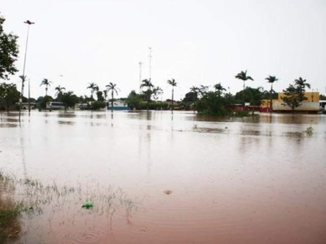 Lago do Sapo transbordou devido ao grande volume de água. (Foto: Divulgação)