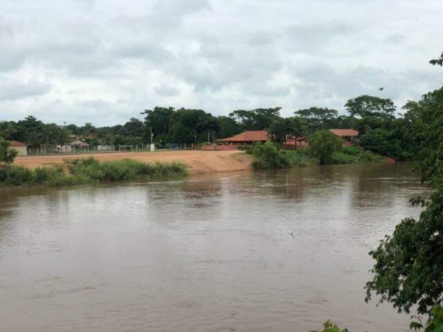 Nível do Rio Aquidauana deixa município em alerta (Foto: O Pantaneiro)