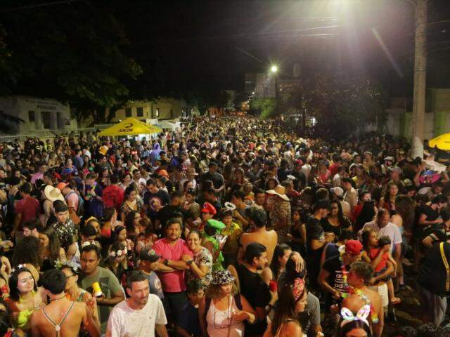 Público que acompanhou a última noite do Valu.(Foto: Kisie Ainoã)