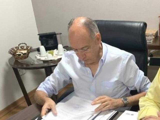 Prefeito Helio Peluffo manifestou solidariedade aos familiares e colegas de imprensa (Foto: Divulgação)