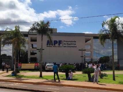 Em protesto, sem-terra cobram apoio para retomada de desapropriações