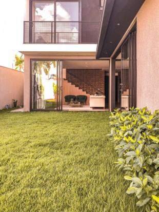 O verde faz parte da casa tanto quanto quem habita nela. (Foto: Arquivo Pessoal)