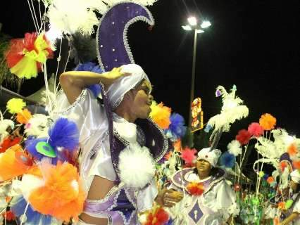 """Carnaval de Corumbá superou a """"baianização"""" cantando o samba no pé"""