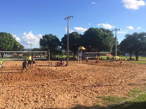 Torneio de vôlei em Coxim (Foto: Divulgação/Prefeitura de Coxim)