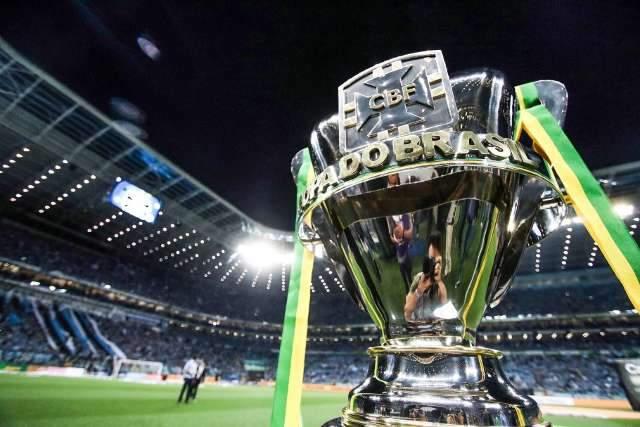 CBF suspende campeonatos de futebol, mas medida não inclui estaduais