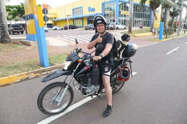 No Cafezais, segurança é garantida com Chokito patrulhando de moto