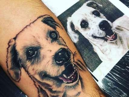 Tatuagem é agradecimento para Beethoven por ensinar dono a amar