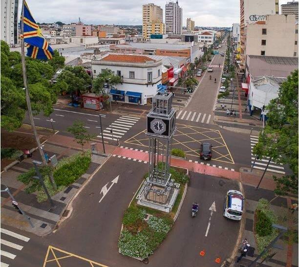 Imagem da 14 de Julho já sem movimento, na sexta-feira. (Foto: PorcimadeCG)