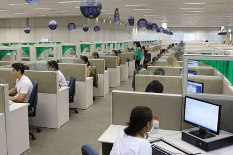 Após protesto, empresa de call center reduz efetivo de funcionários na Capital