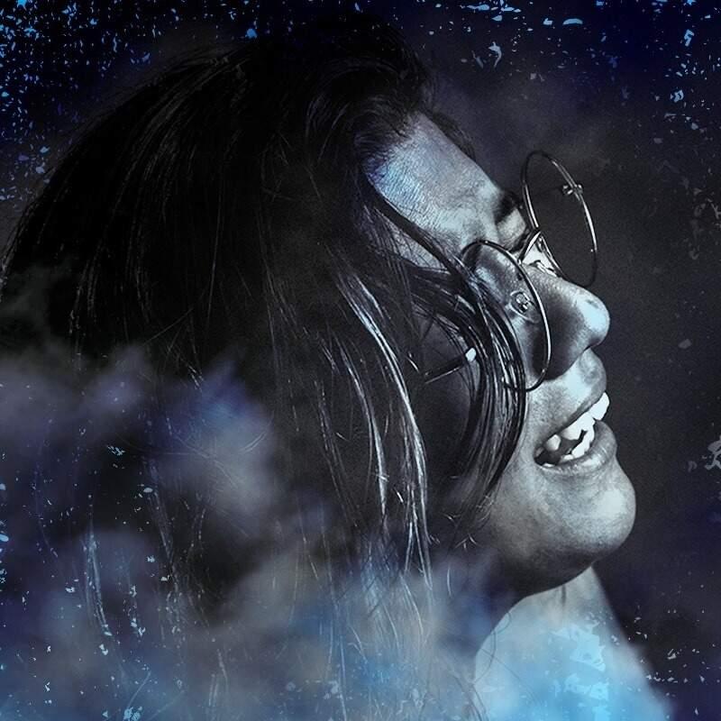 Bia Blanc, uma das artistas que está cantando em lives nas redes sociais.