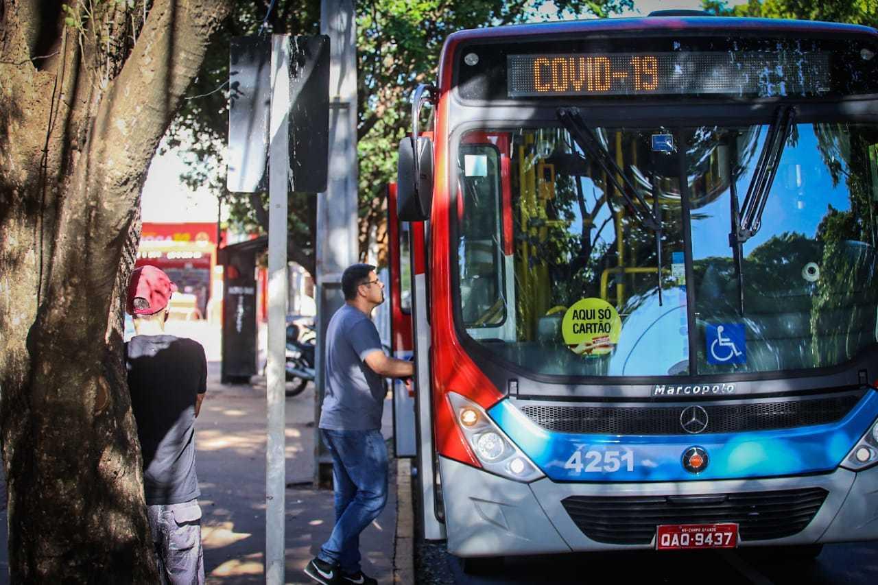 Último dia em que ônibus trafegaram na Capital foi em 20 de março. (Foto: Marcos Maluf)