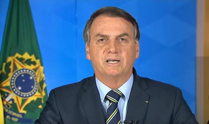 Presidente Jair Bolsonaro durante seu pronunciamento, nesta noite. (Foto: Reprodução)
