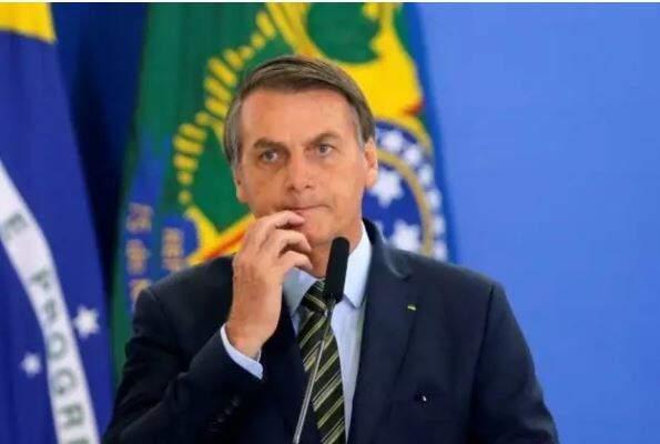 Prsidente Jair Bolsonaro durante entrevista na semana passada. (Foto: Agência Brasil)