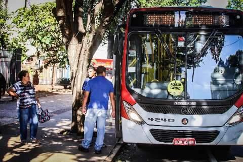 Funcionários do Hospital Regional reclamam de condições do transporte público