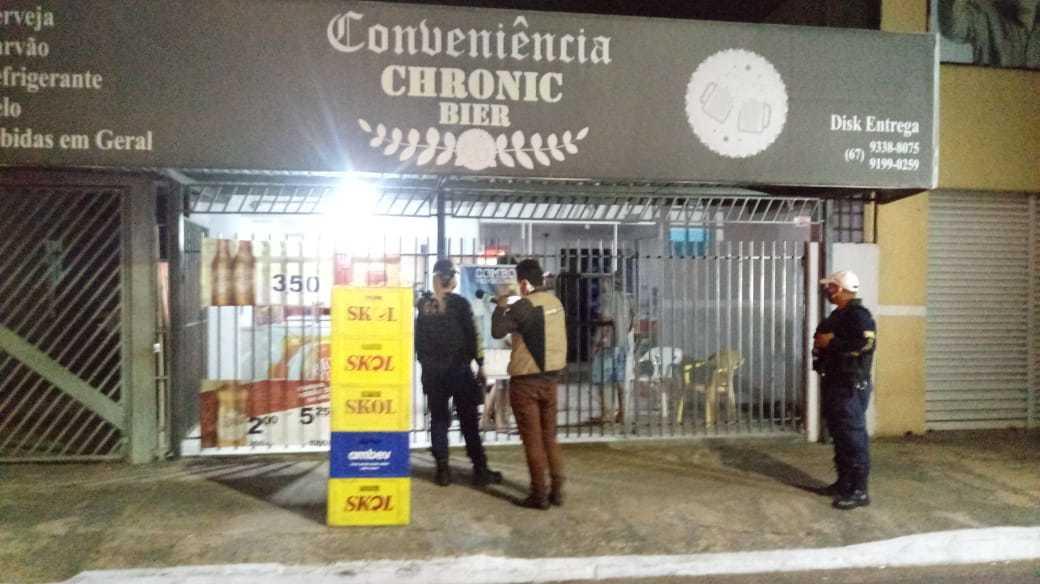 Várias conveniências foam encontradas abertas após o horário permitido (Foto: Divulgação)