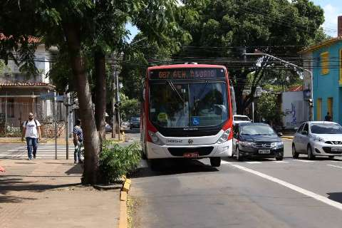 Transporte público se estende a funcionários de farmácias e mercados