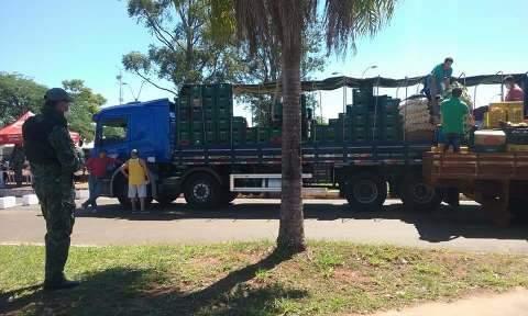 Arame barra brasileiros na fronteira, mas paraguaios têm passagem livre