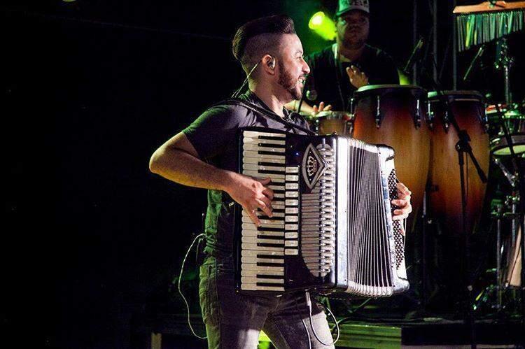 Crys Sanfona afirma que União dos Músicos arrecadou 150 cestas básicas para artistas.