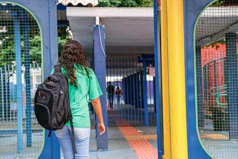 Governo prorroga suspensão das aulas na rede estadual até maio