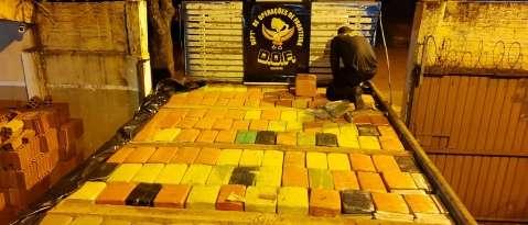Justiça libera presos flagrados com 3,6 toneladas de maconha em MS