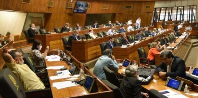 Senado aprova adiamento por um ano de eleições municipais no Paraguai