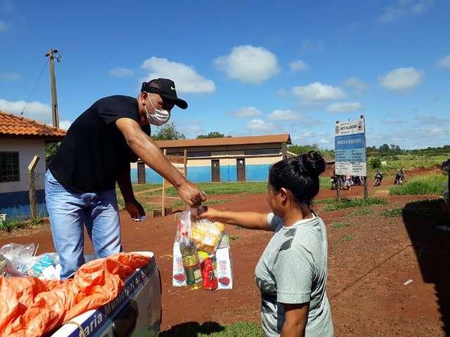 Laguna Carapã começa a entregar alimentos a alunos de escolas municipais