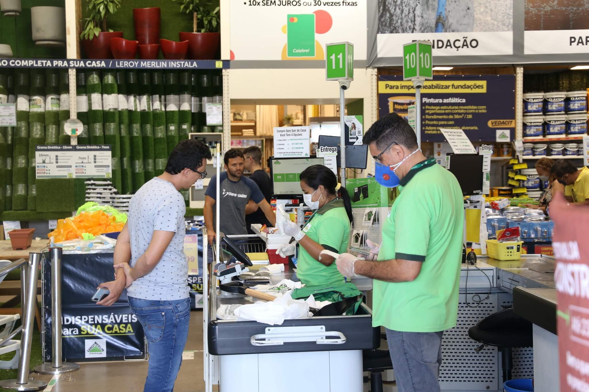 Loja adotou todas as medidas para segurança da equipe e dos clientes. (Foto: Paulo Francis)