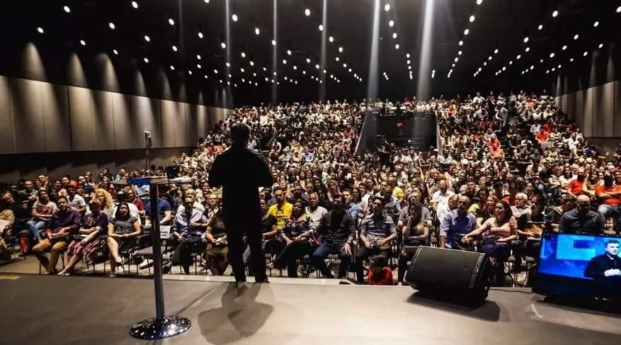 Culto na Igreja Evangélica Comunidade Global (Foto: Divulgação - IECG)