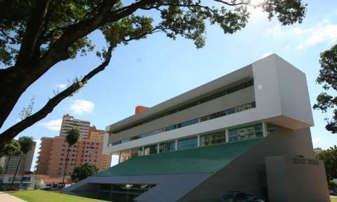 """Decreto estabelece expediente de 5h com """"rodízio"""" de servidores da prefeitura"""